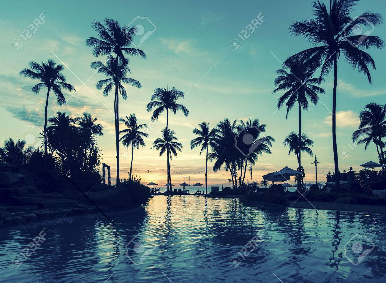 Soft twilight of the amazing tropical marine beach. - 40557480