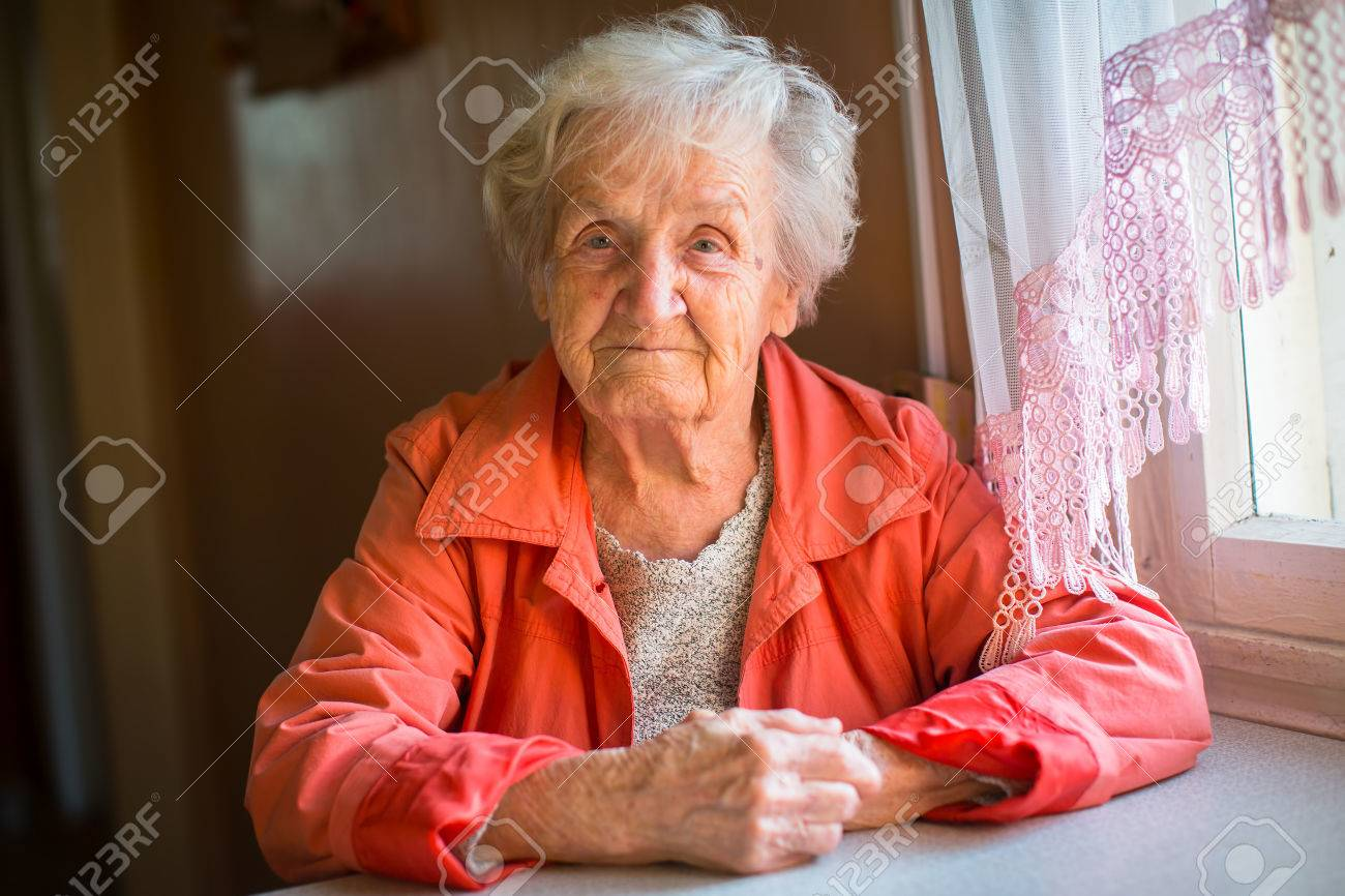 Portrait of stern elderly women. - 85629674