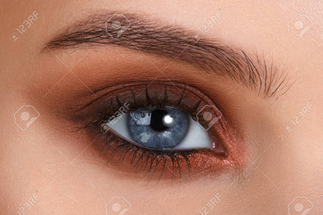Fashion style Makeup eye Smokey close up pictures for girls