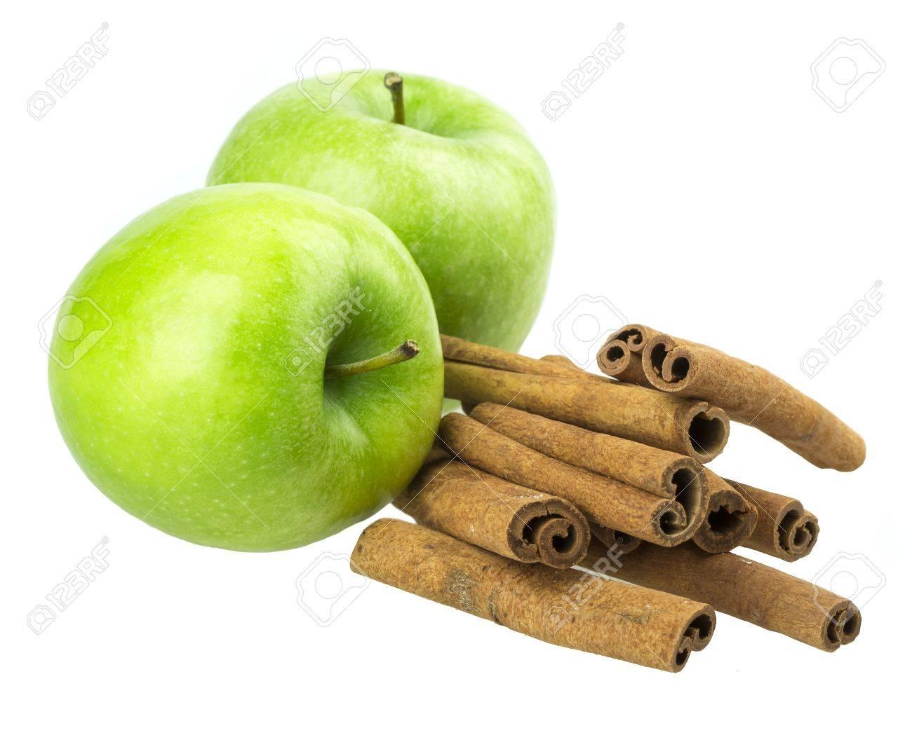 apple, cinnamon isolated on white background Standard-Bild - 19424696