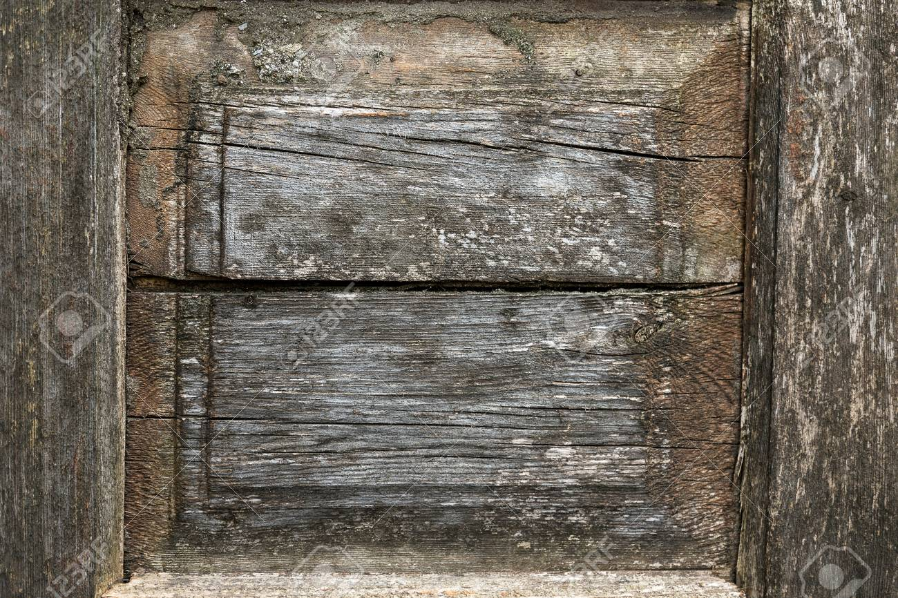 Old wood background rusty nail Stock Photo - 20402948