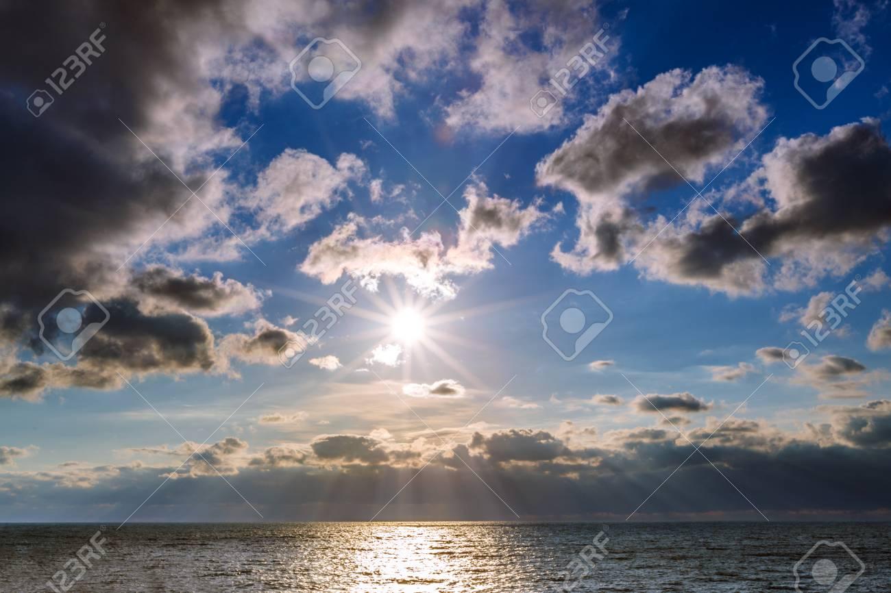 Immagini Stock Sfondo Riva Del Mare Con Una Spiaggia Di Sabbia