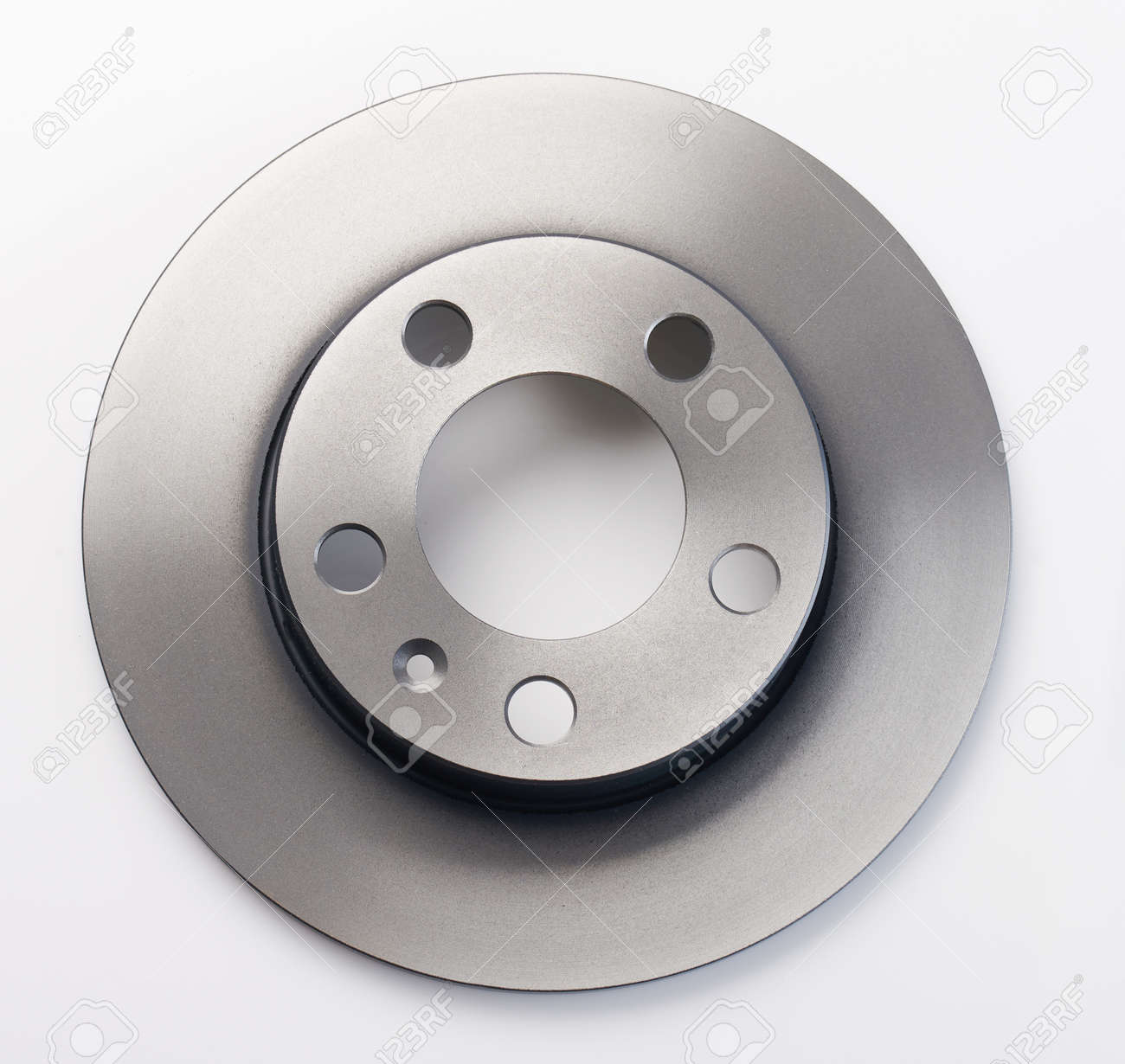Shiny metal break car disc isolated on studio background - 171368911