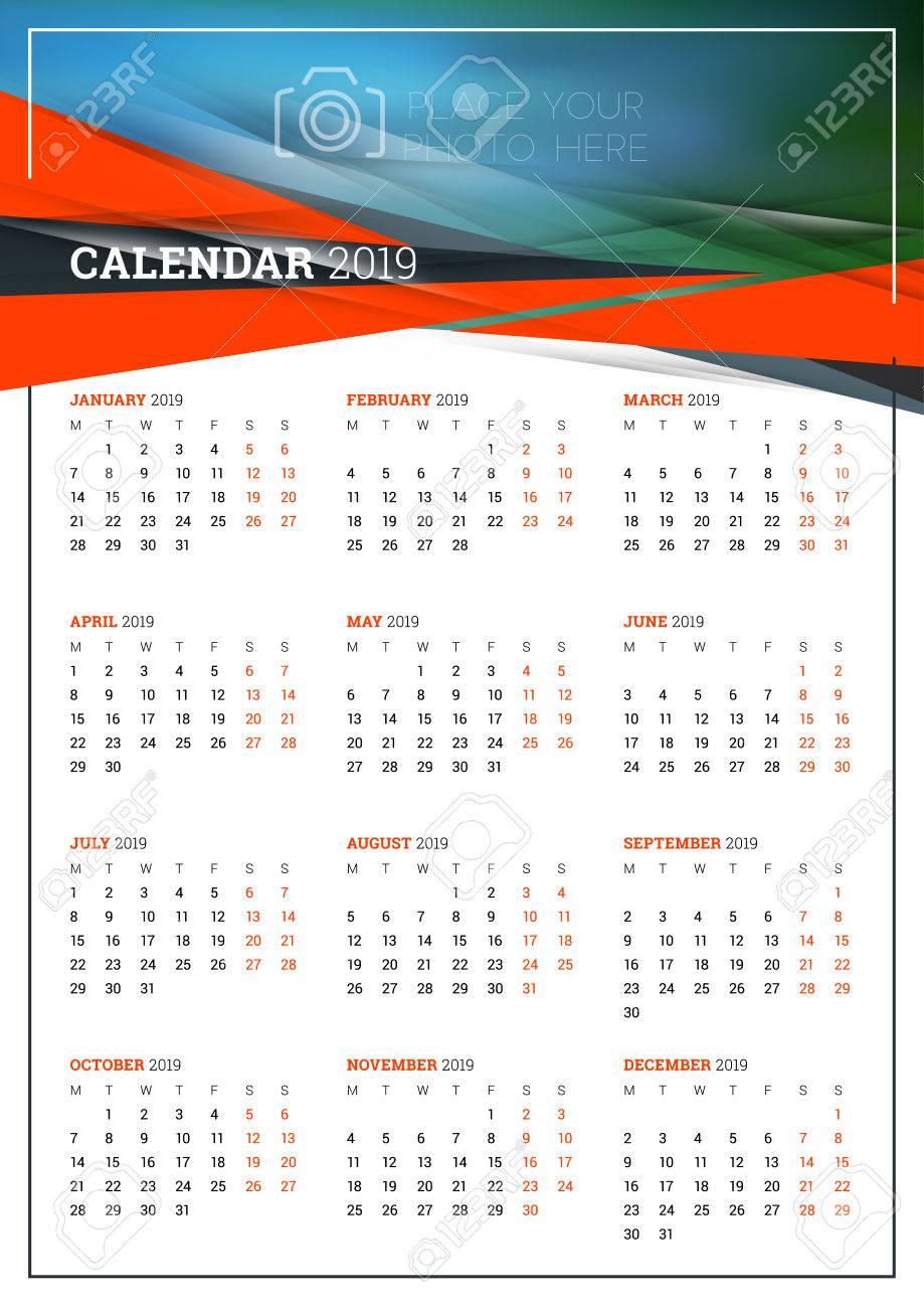 Calendario Settimane Anno 2019.Dimensione A3 Poster Di Calendario Vettoriale Per 2019 Anno La Settimana Inizia Il Lunedi Modello Di Progettazione Di Cancelleria Con Sfondo
