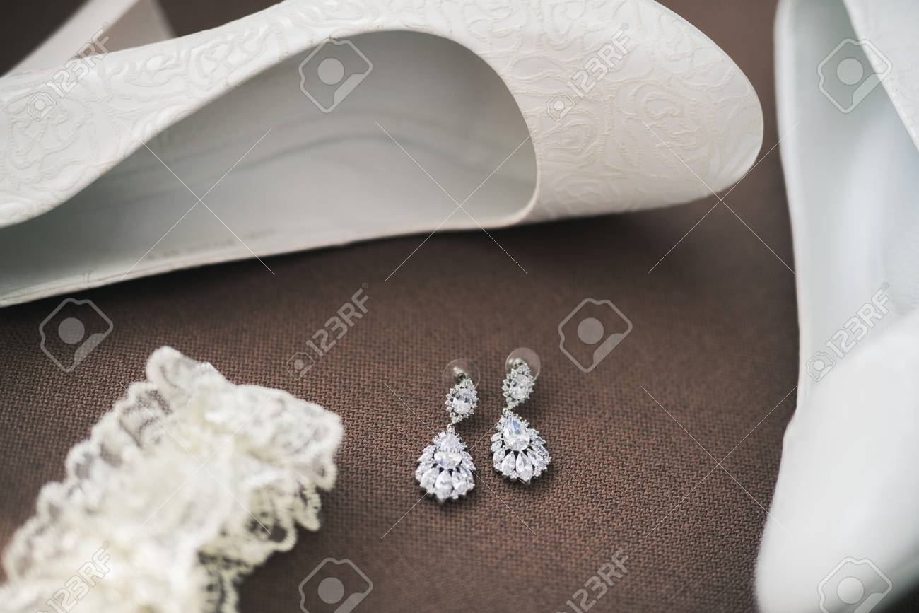 8bba8ee3a6003 elegant white wedding shoes for women. day of marriage Stock Photo -  87690044