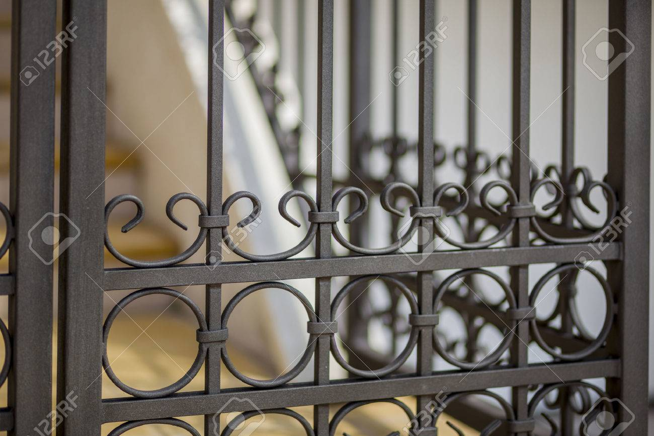 Detail of decorative metal fence - 28118048