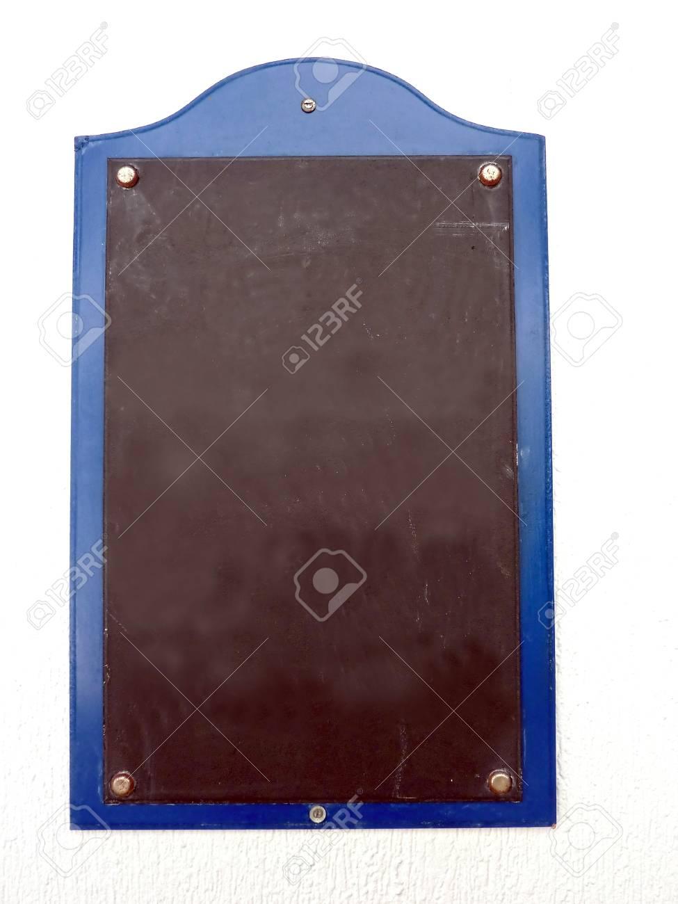 Menü Tafel Mit Blauem Rahmen Auf Weiße Wand Lizenzfreie Fotos ...