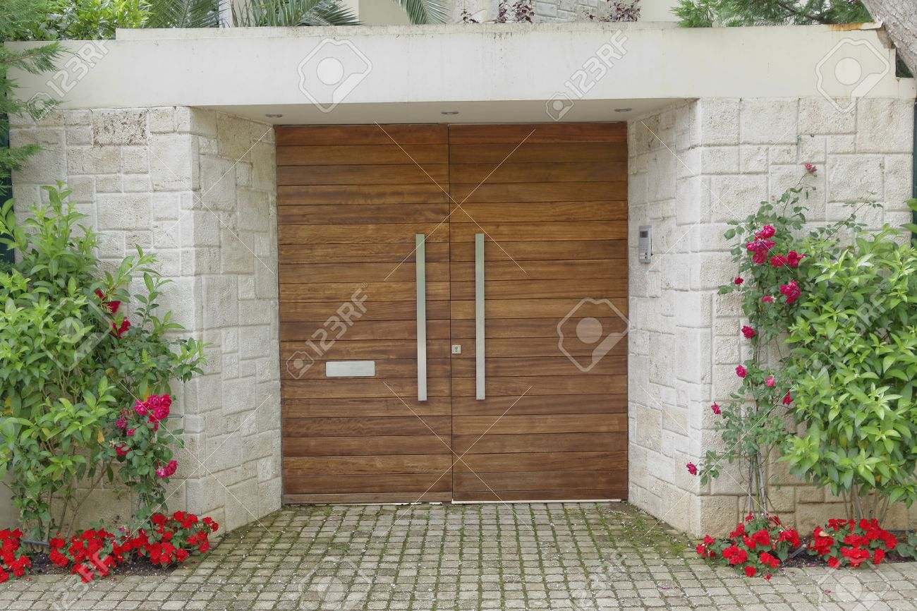 Contemporary Elegant House Entrance Stock Photo, Picture And ...
