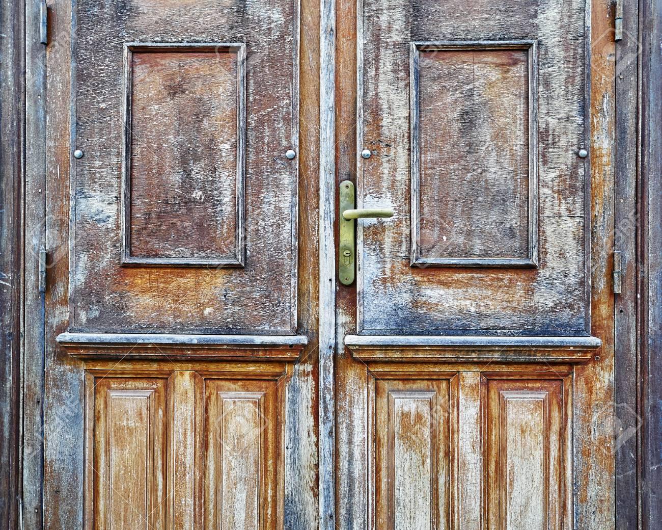 Porte In Legno Massello : Casa d epoca porte in legno massello foto royalty free immagini