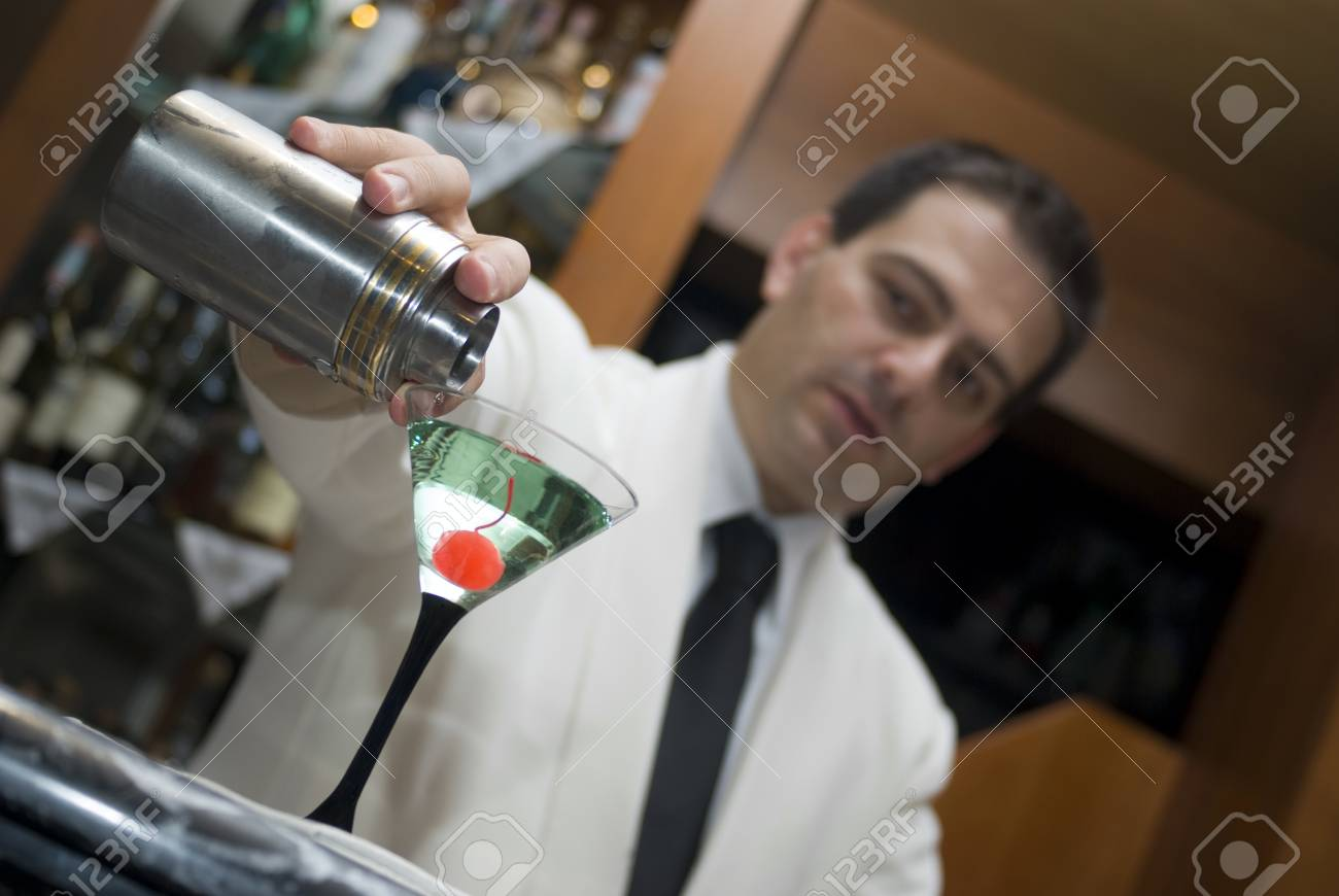 Barman prepares of a cocktail Stock Photo - 10935981
