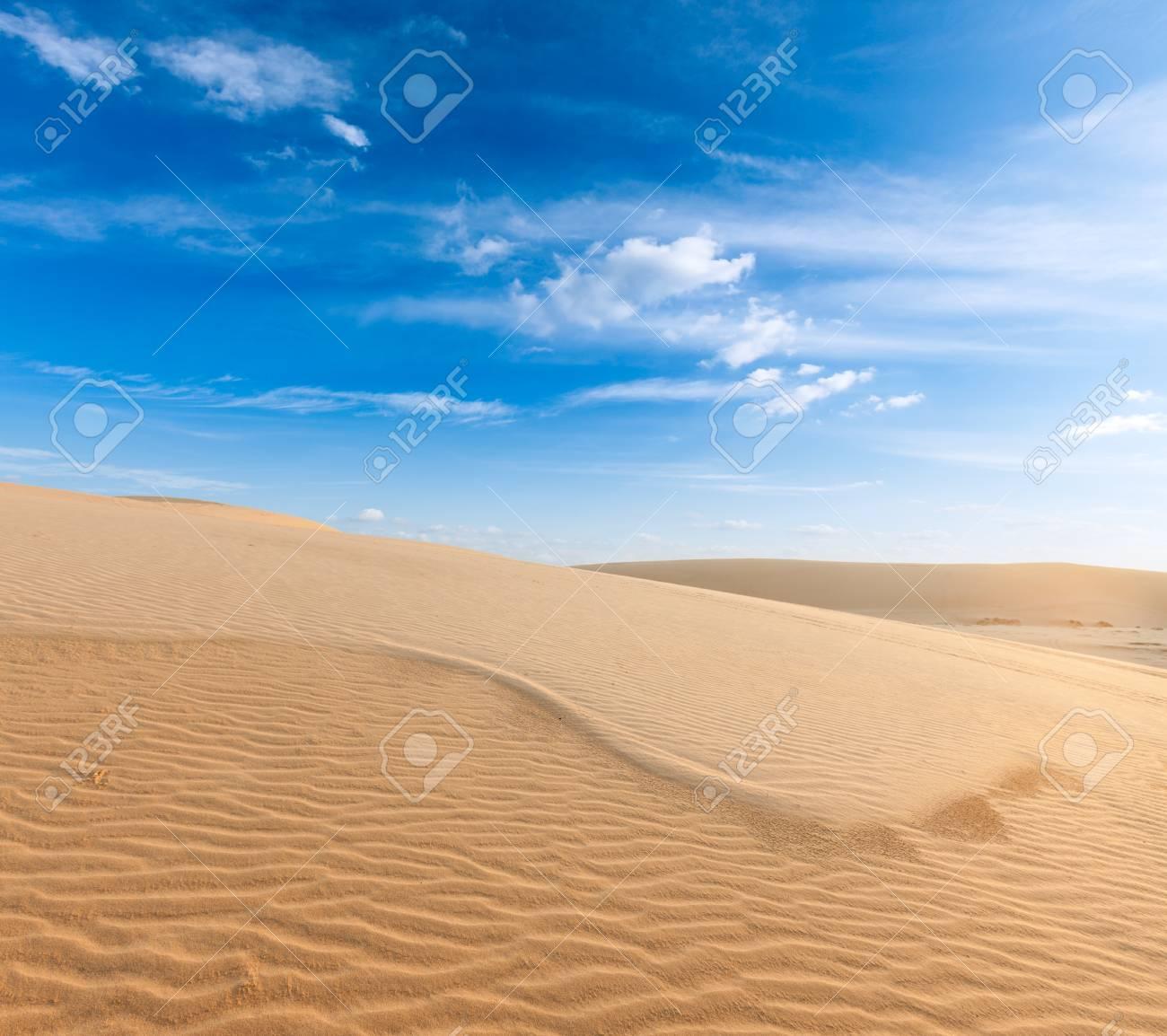 White sand dunes on sunrise, Mui Ne, Vietnam Stock Photo - 15695350