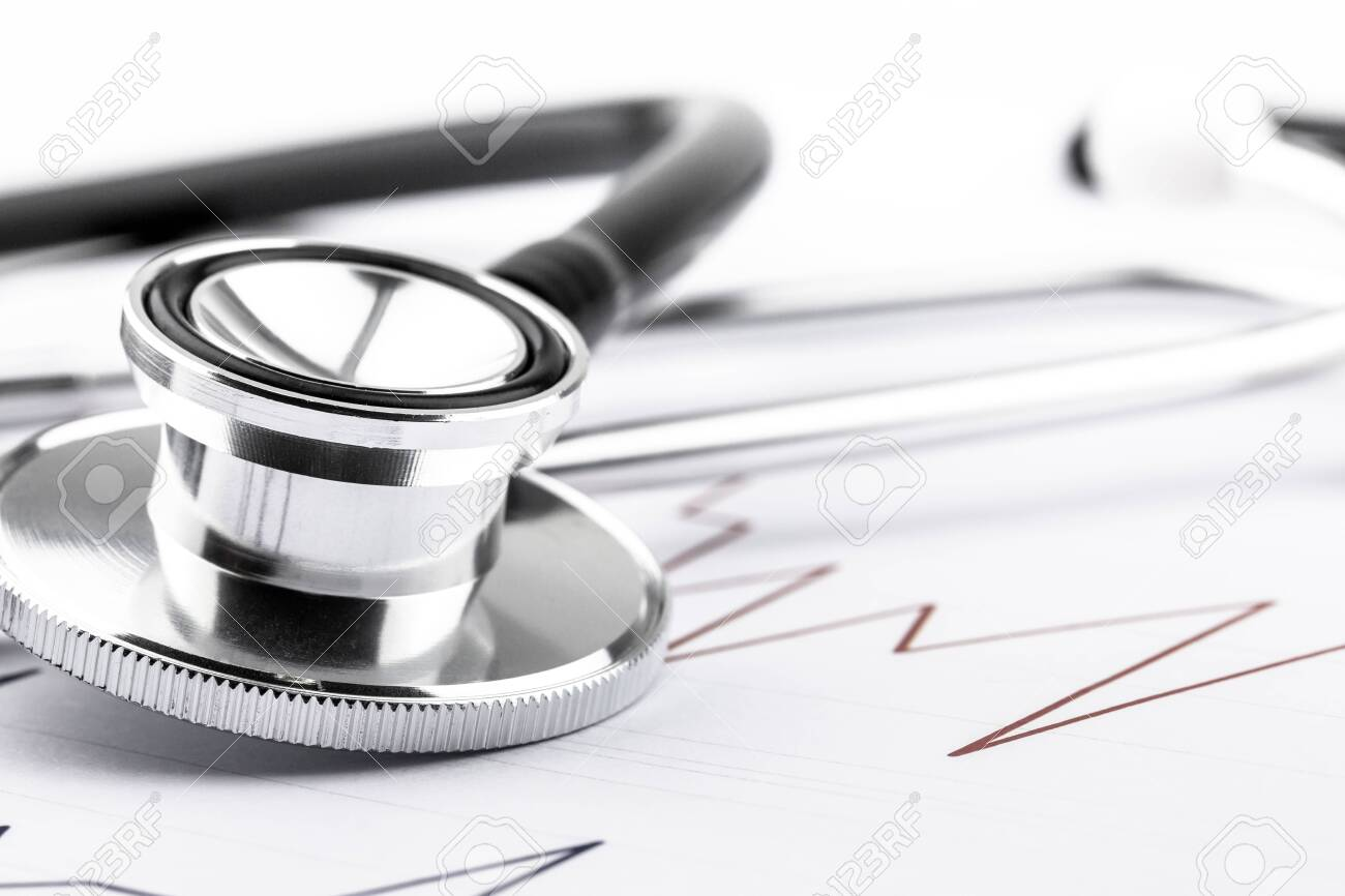 Doctor stethoscope for cardiac on white background.Equipment of physician for diagnose heartbeat in hospitality.Health care and physical examination concept. - 148951988