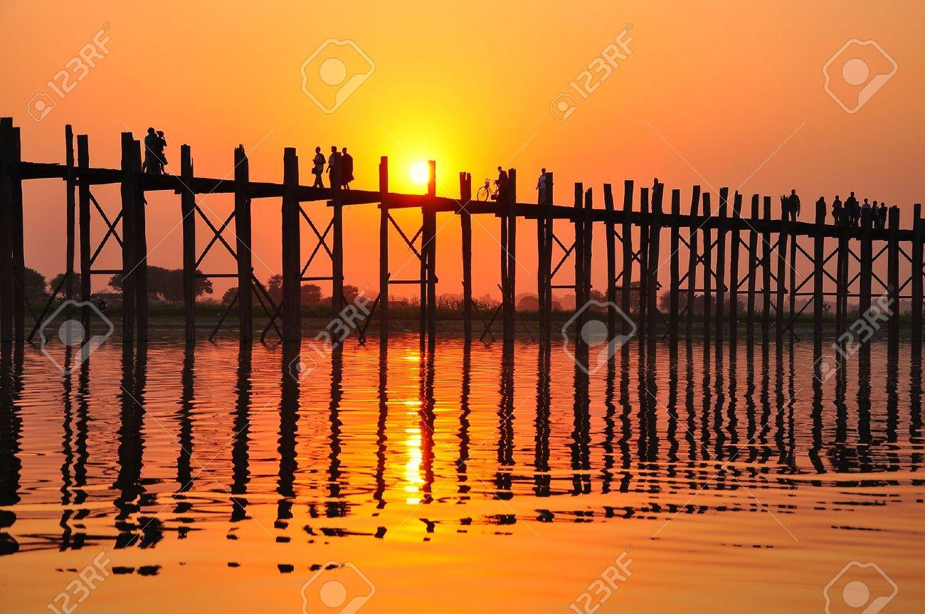 Favori Coucher De Soleil Sur Le Pont U Bein, Amarapura, Birmanie Myanmar  QC96