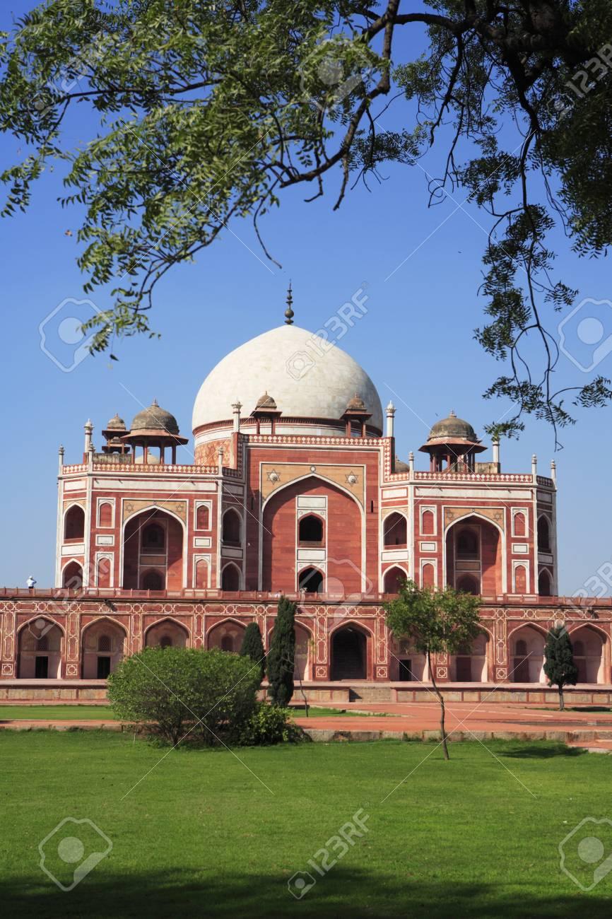 humayuns tomb built in 1570 mughal architecturedelhiindia unesco world heritage site stock