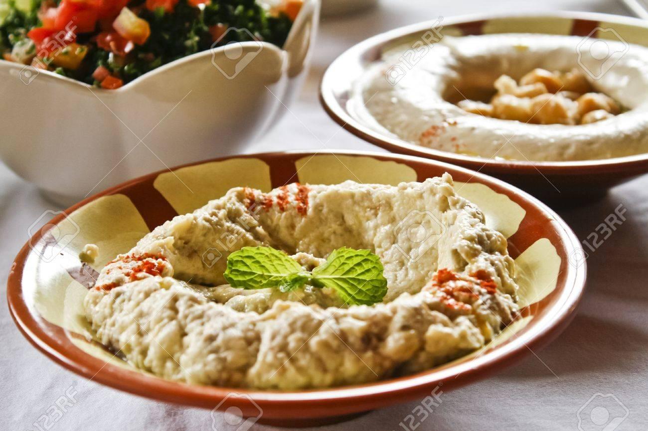 Hummus A La Cuisine Libanaise Banque D Images Et Photos Libres De