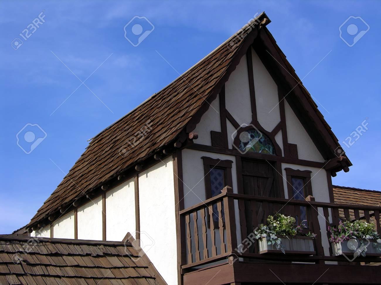 中世家詳細 の写真素材・画像素材 Image 341158.