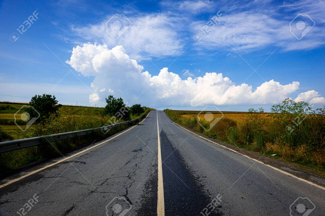 Country road in the countryside - 149356206