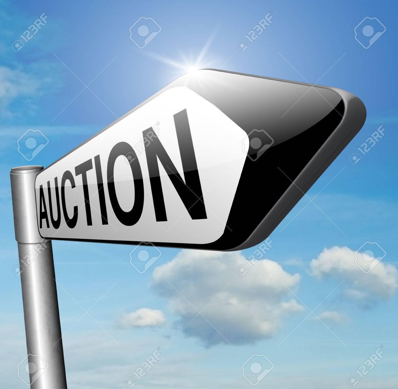 Banque d images - Vente aux enchères de maisons voitures et l immobilier. Enchères  en ligne panneau routier 0cfea2216821