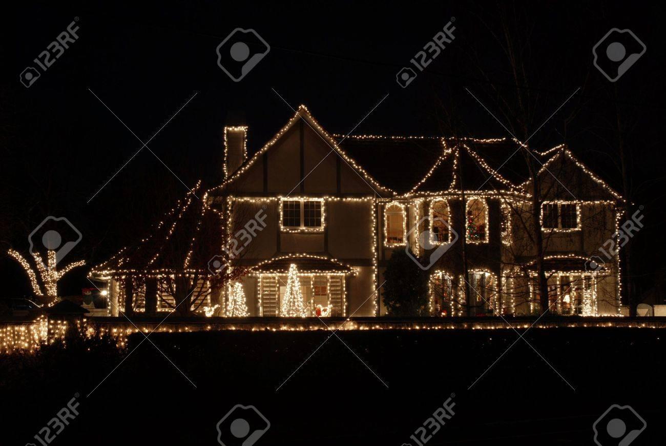 Eindrucksvolle Hause Für Weihnachten Dekoriert, Los Altos ...