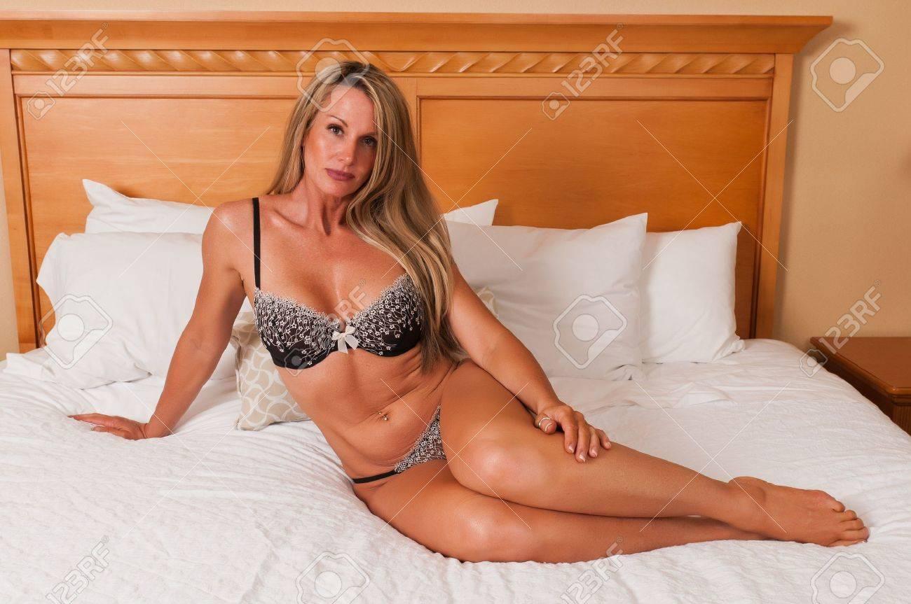 Сексуальные женщины 40 лет, Порно с 40 летними женщинами на Секс Зима 7 фотография