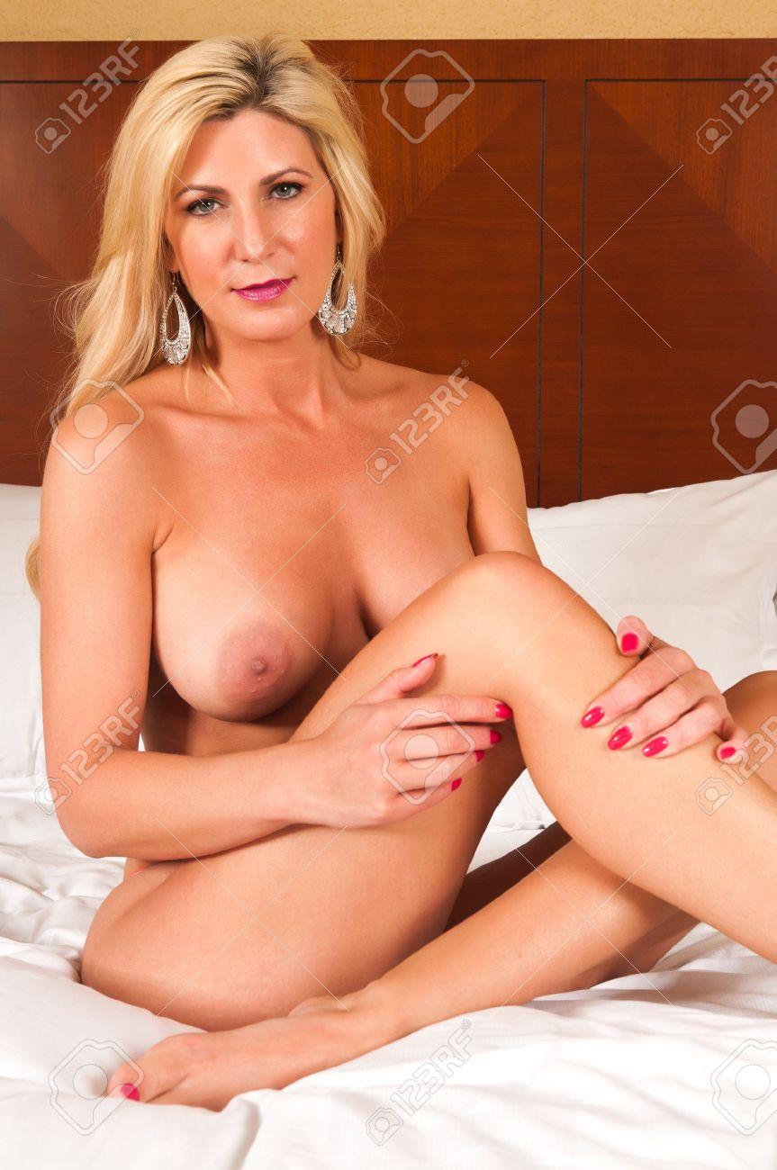 reife Blondine nackt