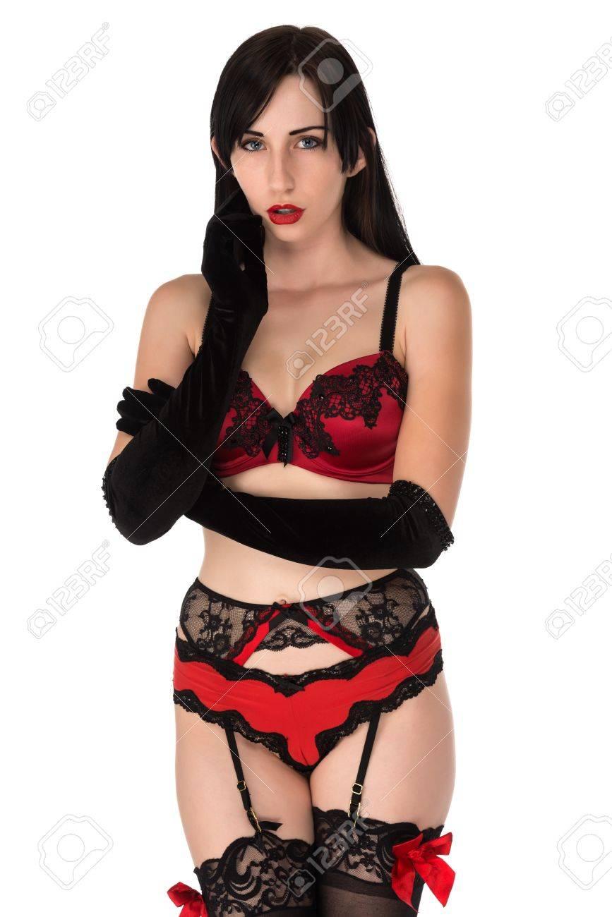 calidad estable pensamientos sobre gran variedad de Mujer joven bastante pequeña en ropa interior de color rojo y negro