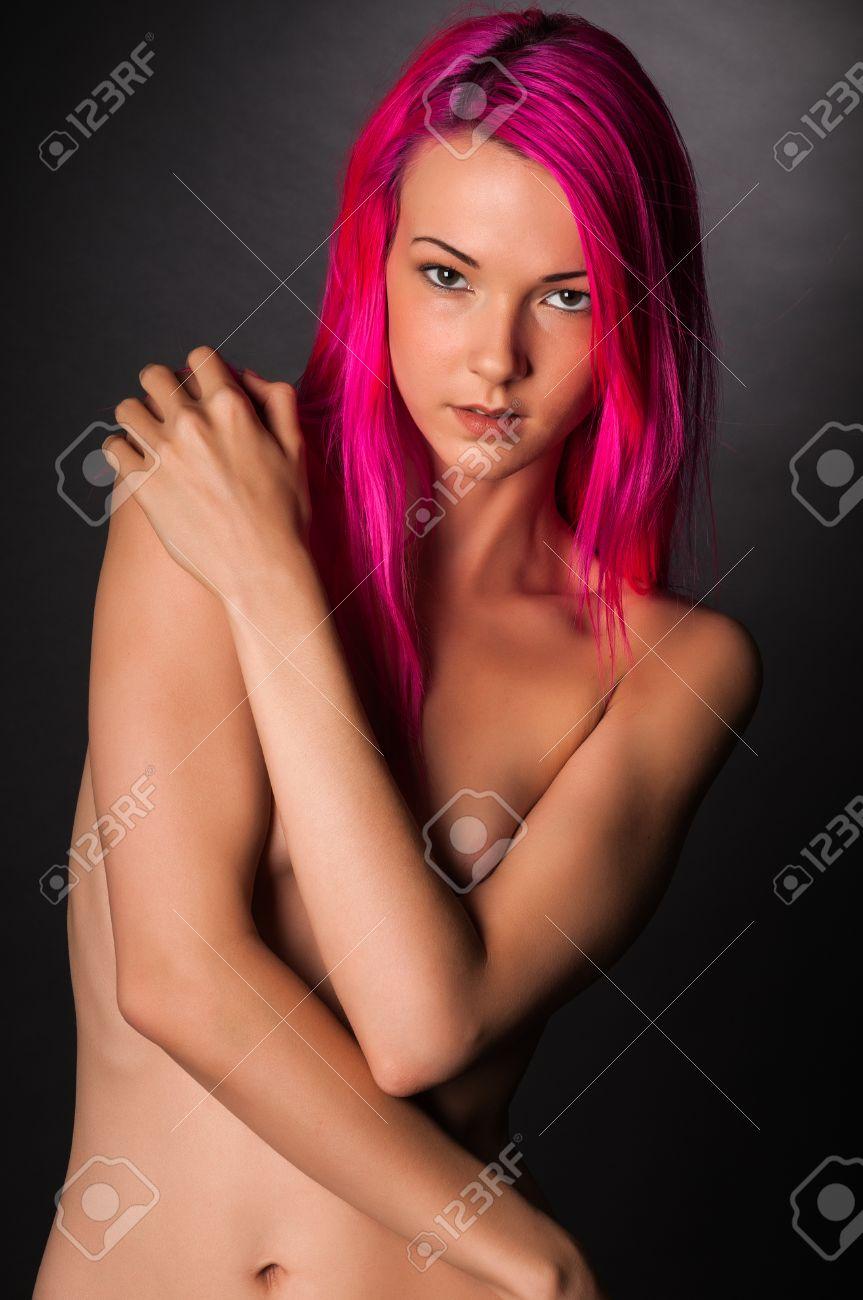 rosa-haarmaedchenakt-mg-zwerglenkrad