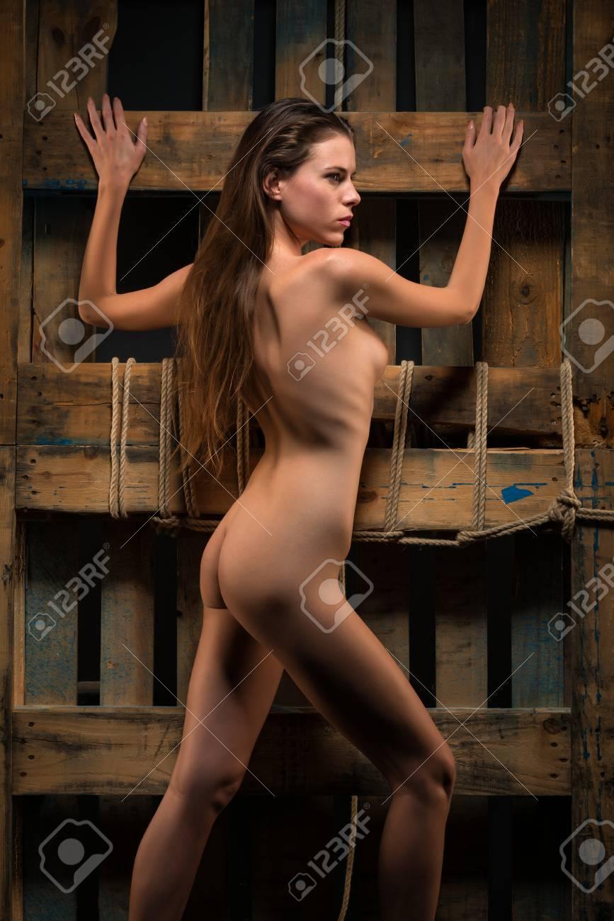 Femme Mince Nue