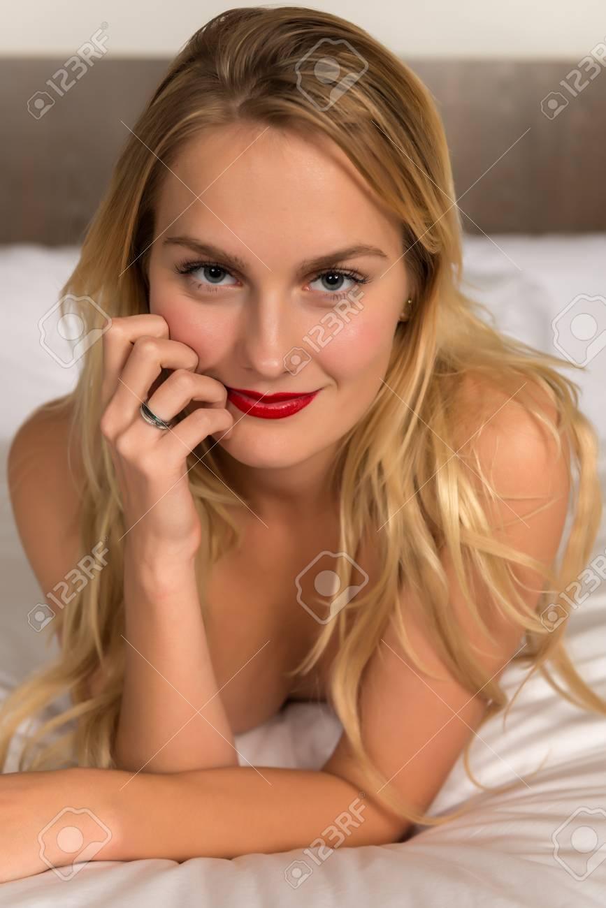 Hot and naked bollywood actresses