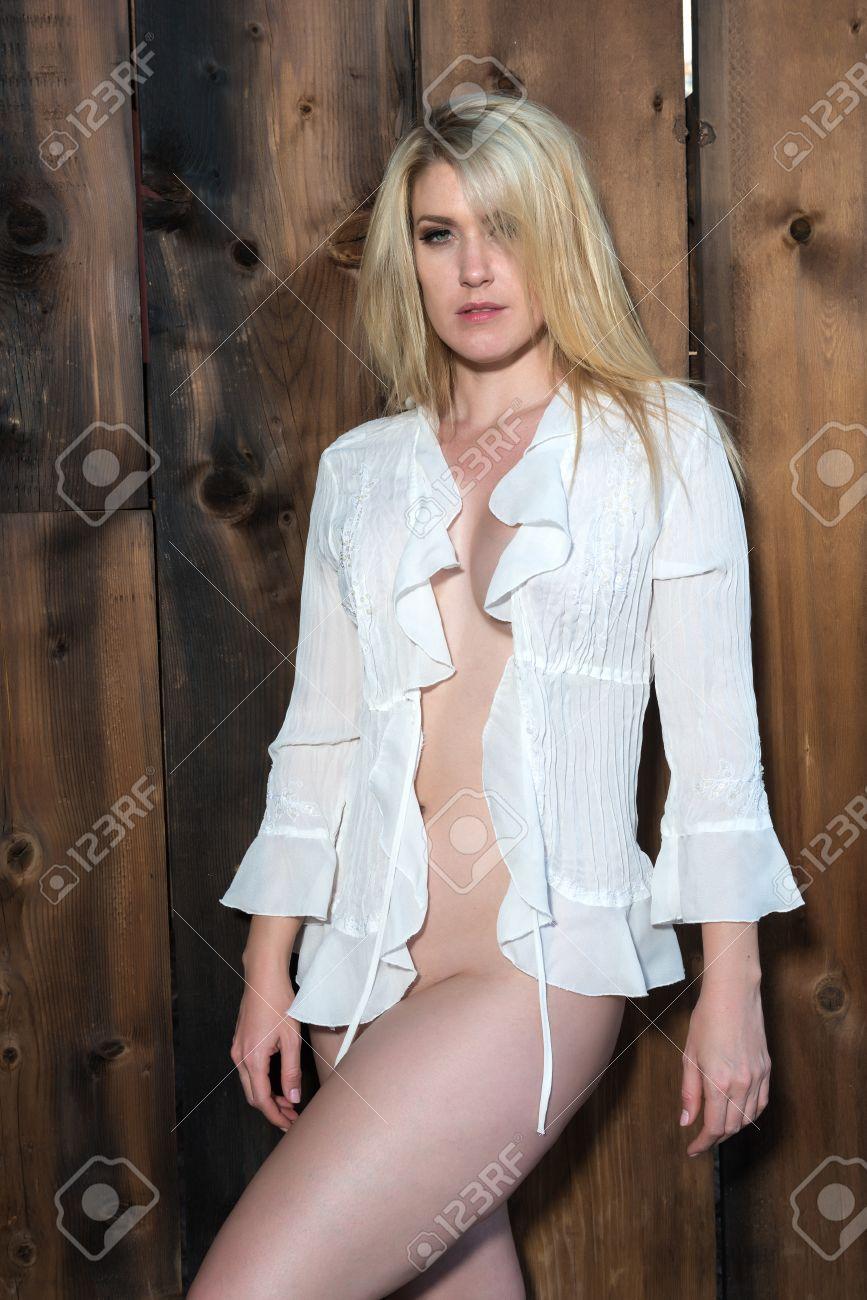 nackt unter der bluse