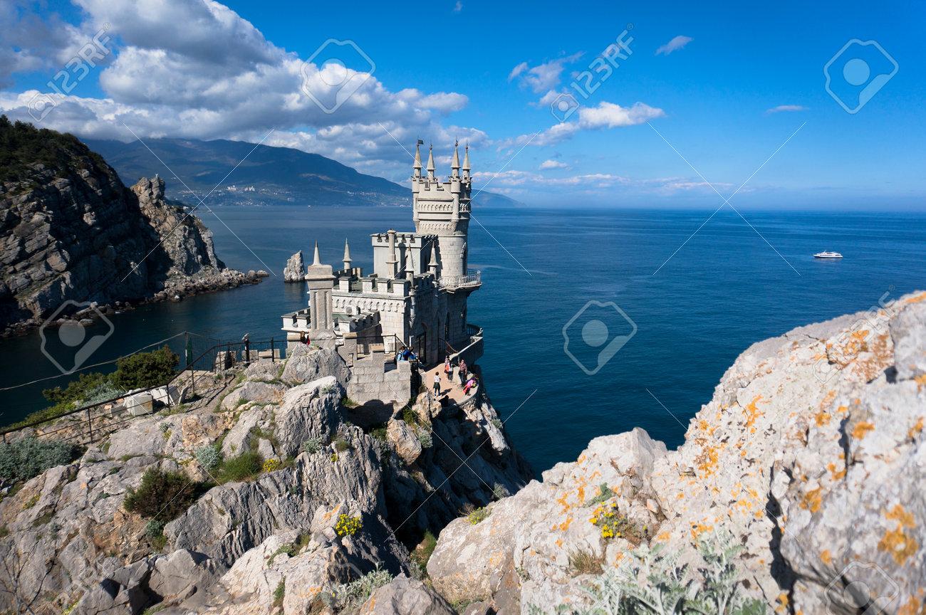 Swallows Nest medieval knights castle in Crimea · Ukraine