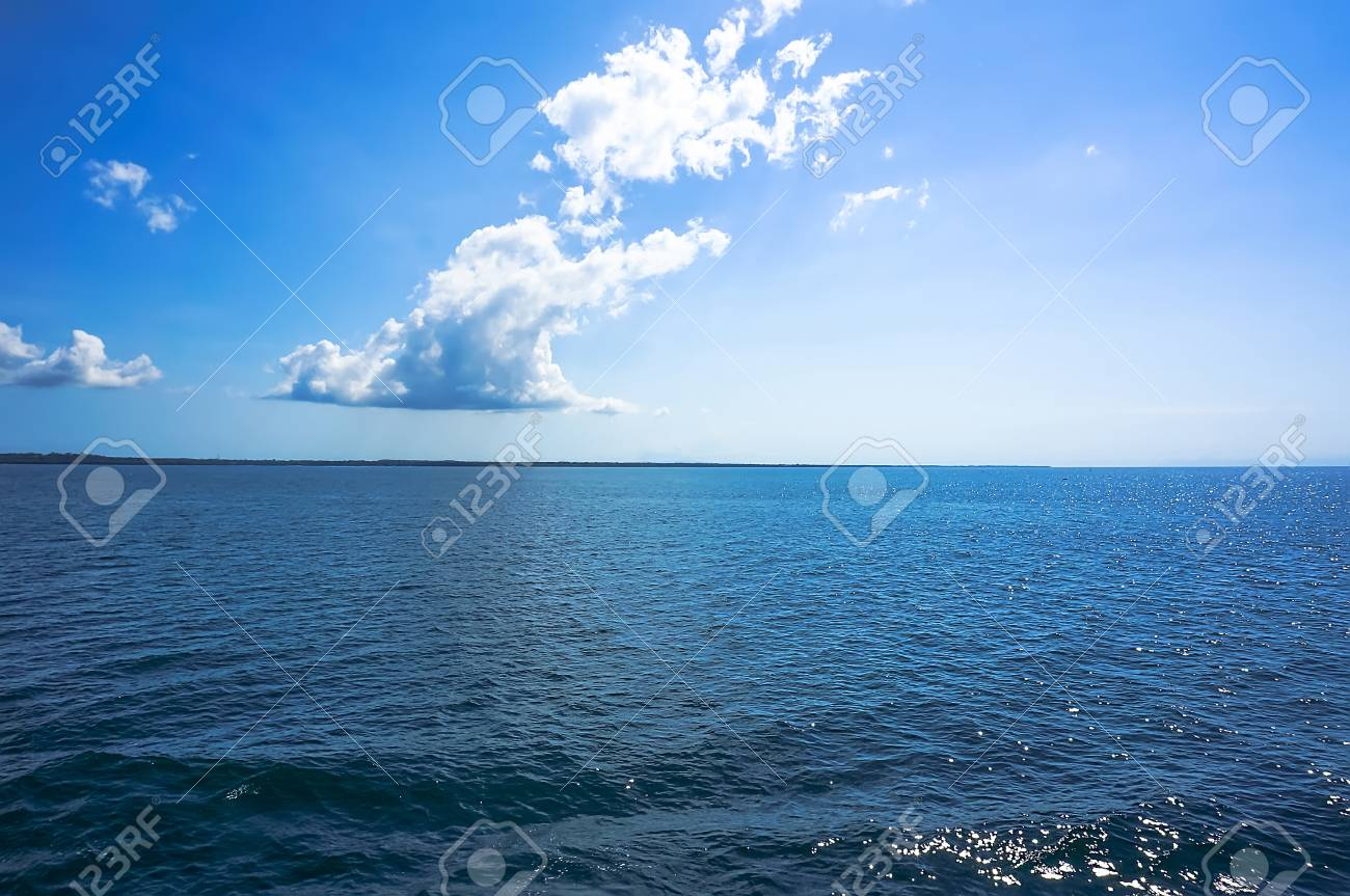 views of the blue at the horizon on a blue sea - 41946521