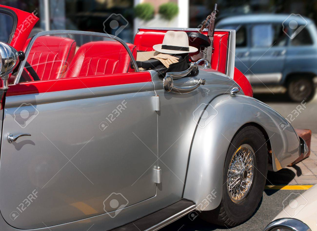 Vintage Cabrio Car With Gangster Tools - Tommy Gun, Hat And Gloves ...