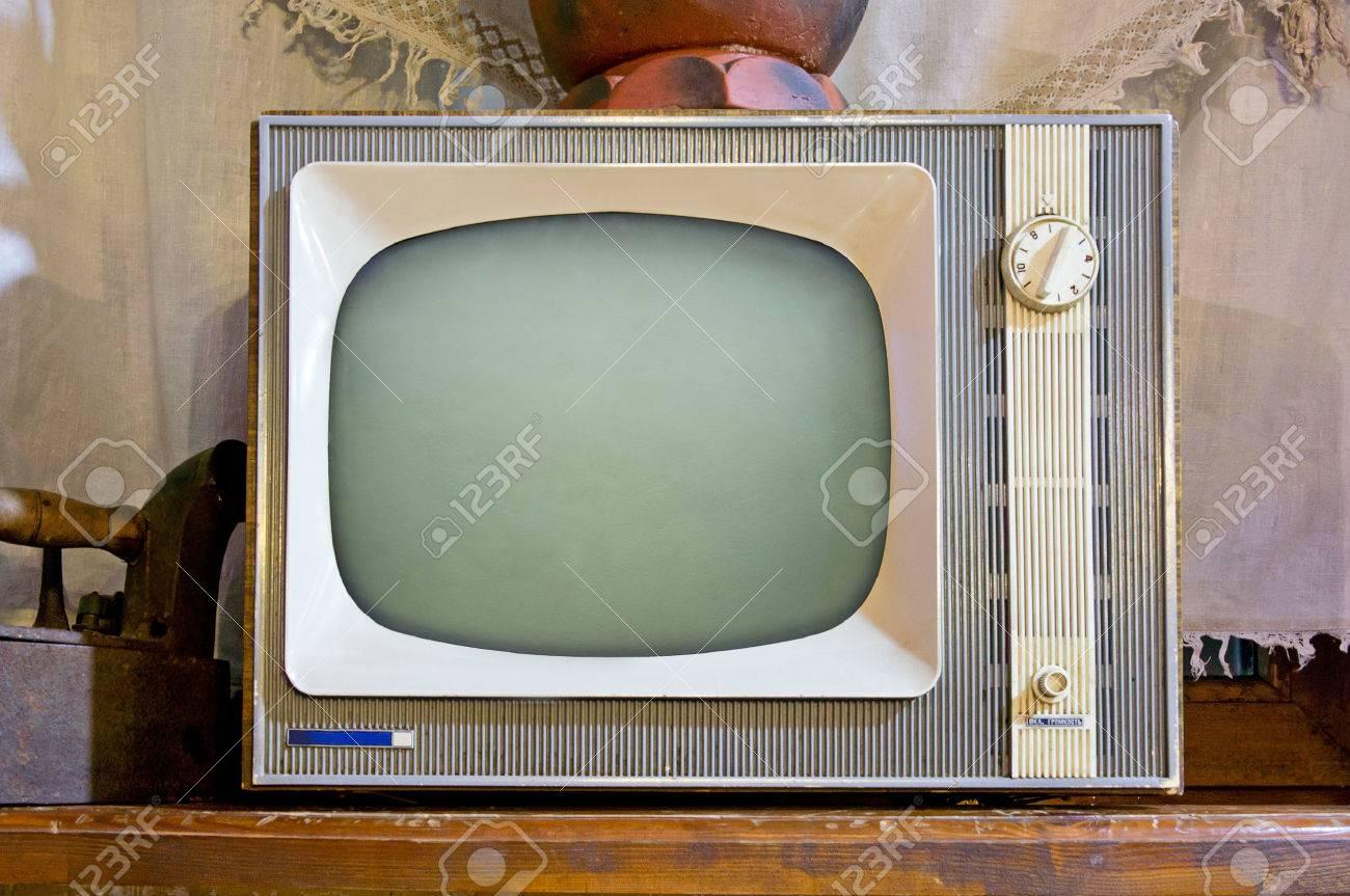 Old tv set in vintage interior - 42132889