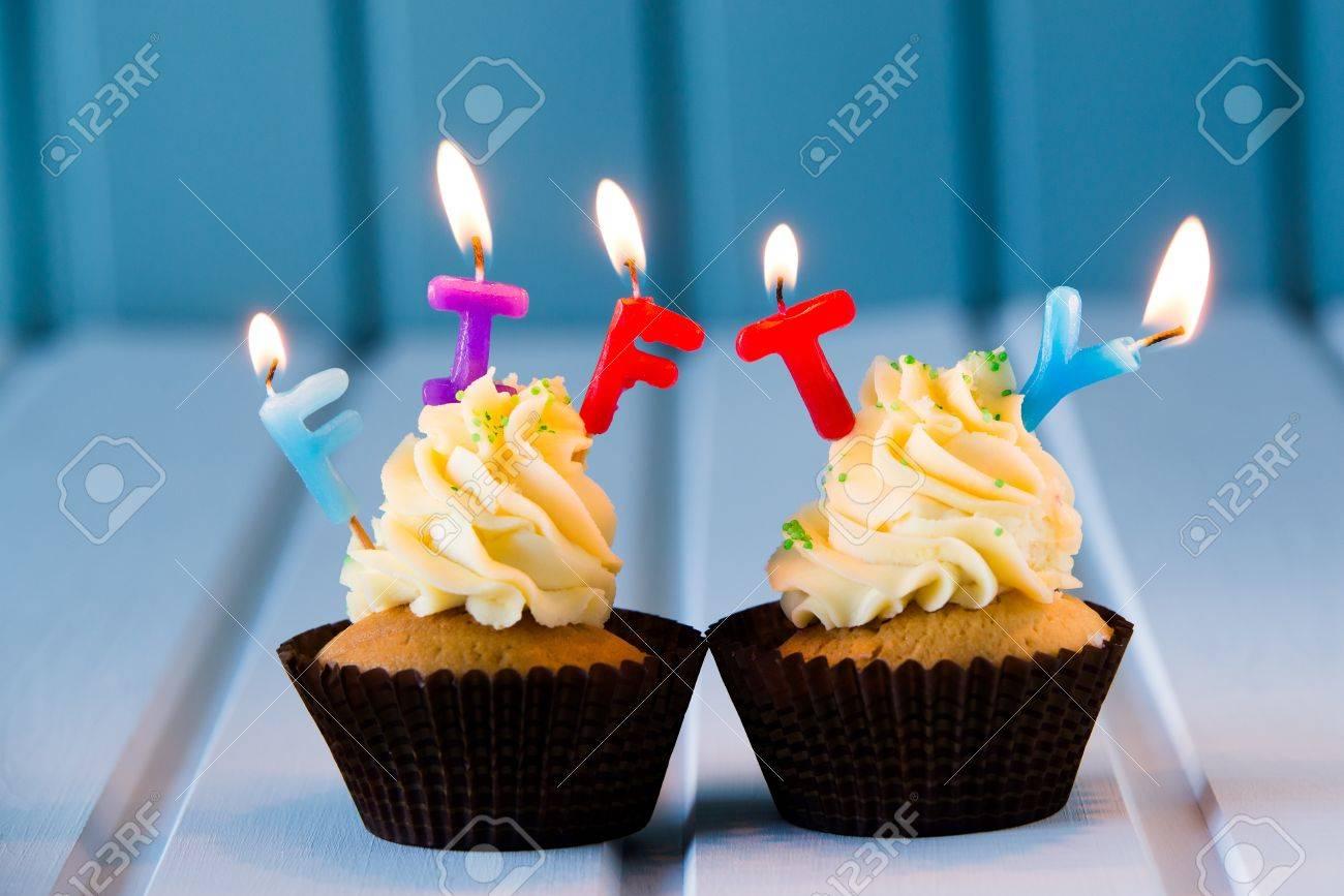 Geburtstag Des Kuchen Kuchen Mit Einem Kerzen Fur 50 Funfzigsten
