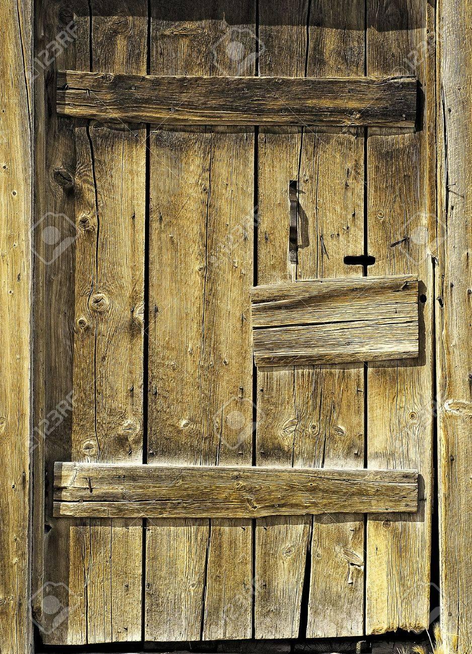 Rustic Barn Wood Door Stock Photo - 11233273