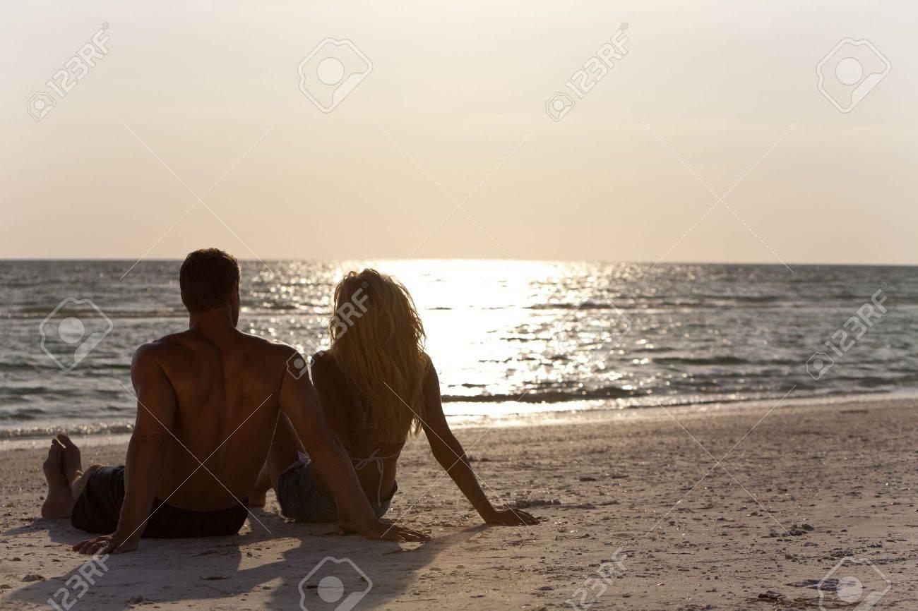 Фото вид сзади на пляже 11 фотография