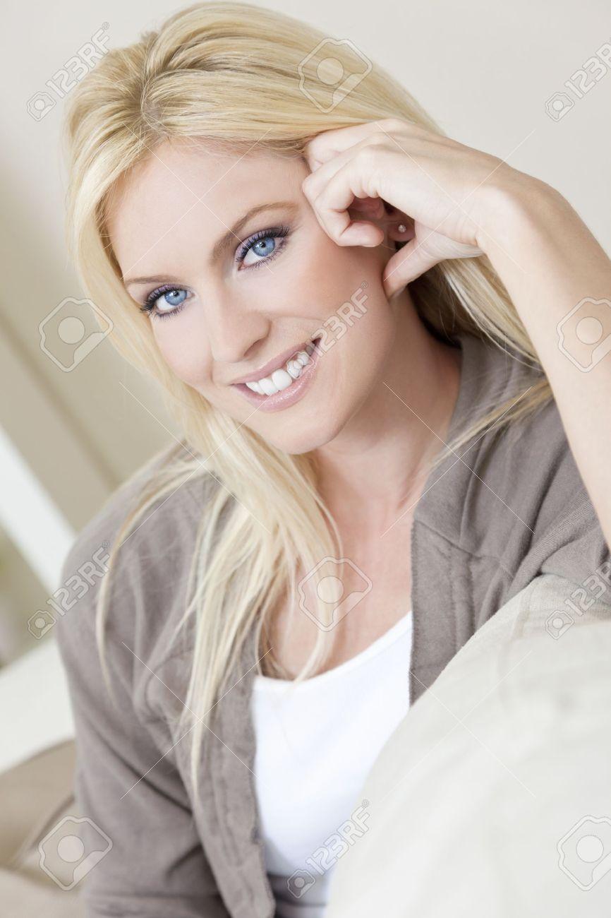 blonde schöne frau