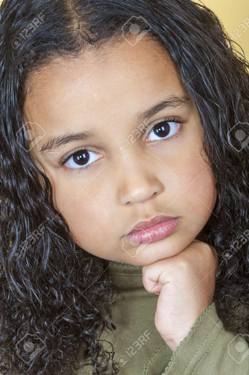Belle Fille Metisse une belle métisse africaine petite fille fillette américaine air