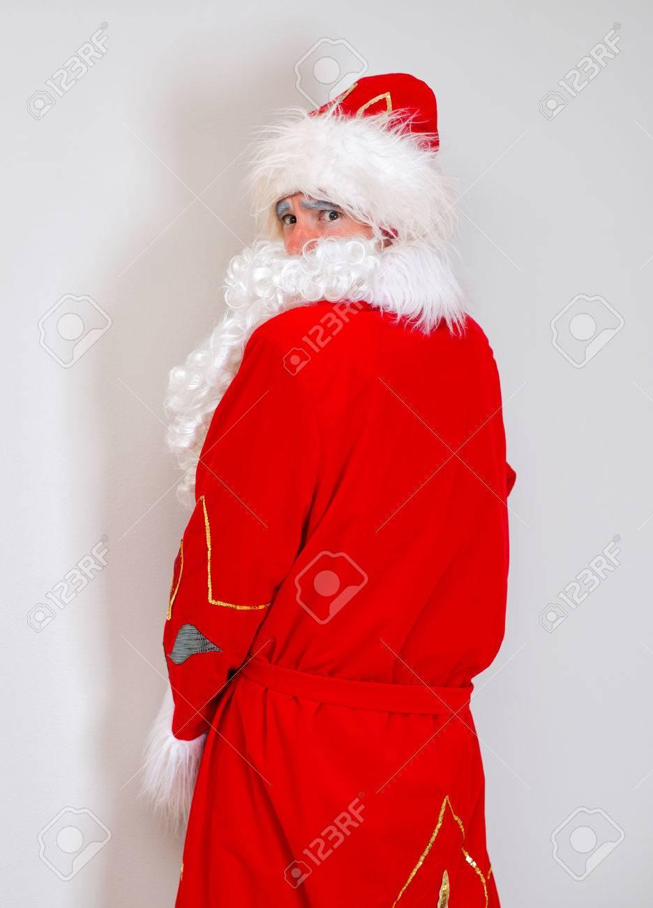 Babbo Natale Ubriaco.Immagini Stock Il Babbo Natale Ubriaco Pipi Sul Muro Image 34313733