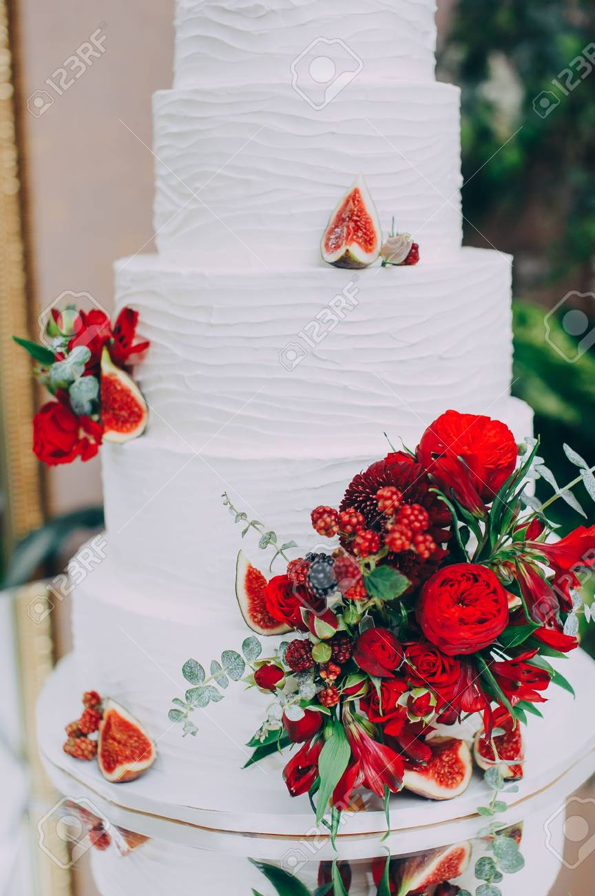 Enchanting Wedding Cakes With Red Flowers Image Collection - Wedding ...