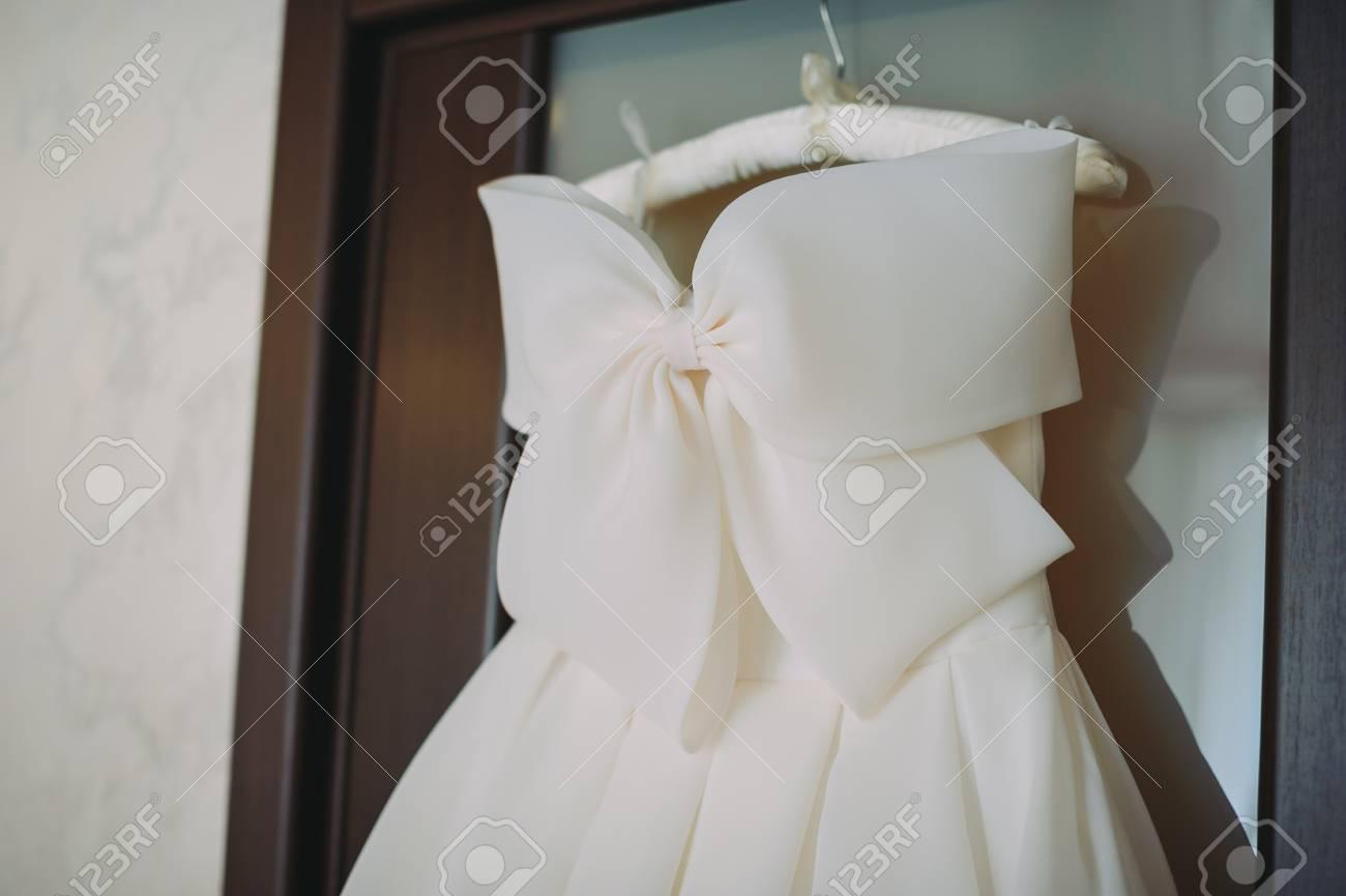 Mariée Blanche Accessoires Mariage Prestige Belle Robe Des De Sur pGLSqUVzM