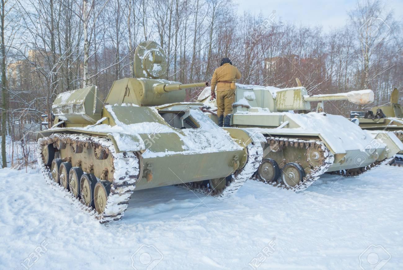 Tanques Rusos T 70 Y Su 76 La Máquina Formidable De La Segunda Guerra Mundial Fotos Retratos Imágenes Y Fotografía De Archivo Libres De Derecho Image 73875329