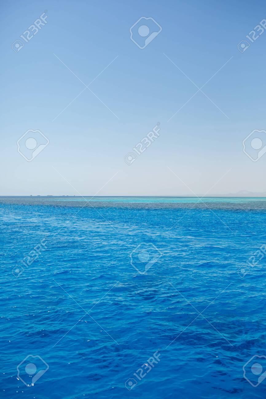 Photo of the red sea, bright sun - 152987677