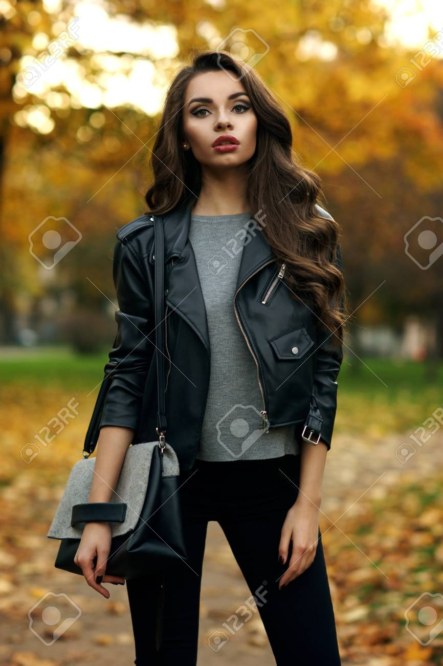 9c50e08301e3 Beautiful Stylish Girl In Gray Pullover