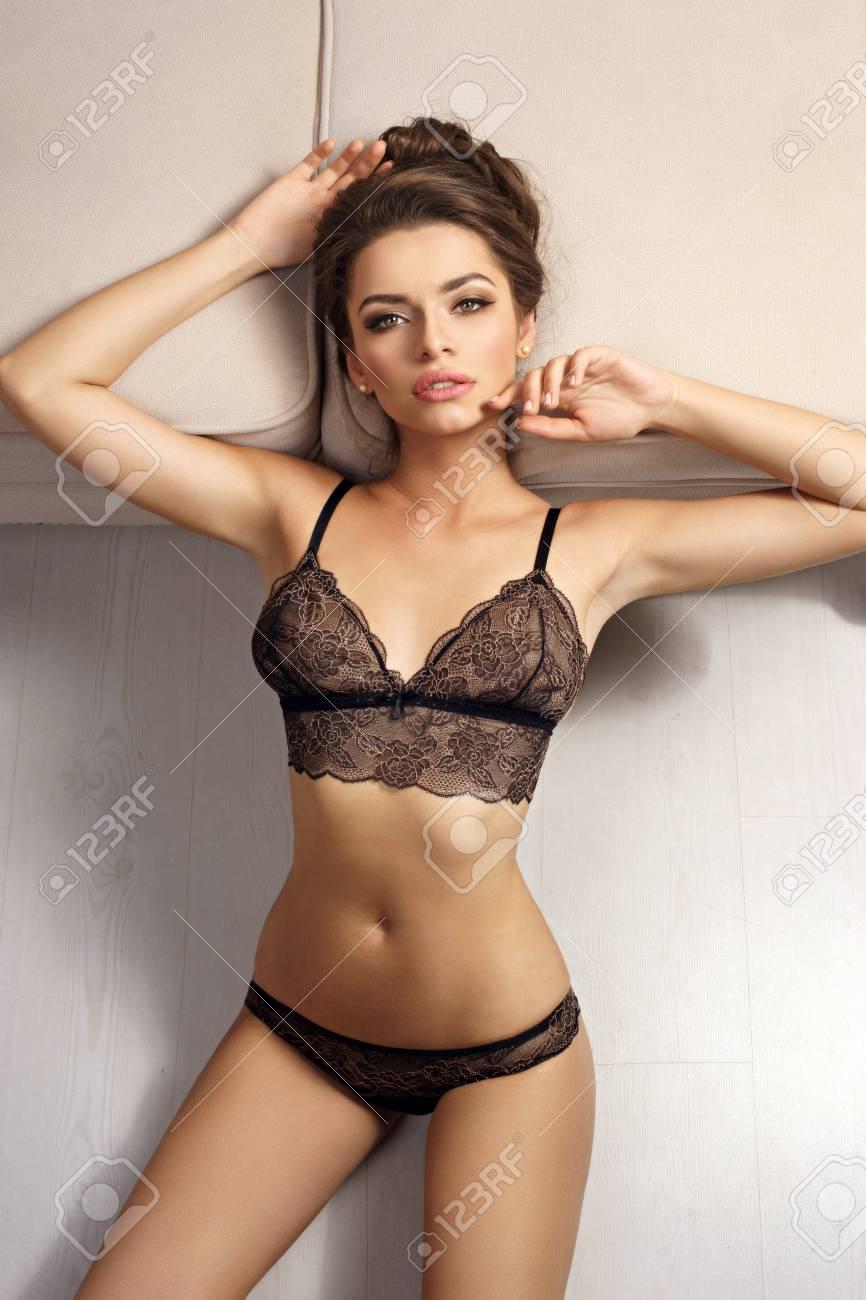 Charlize theron pussy slip photos