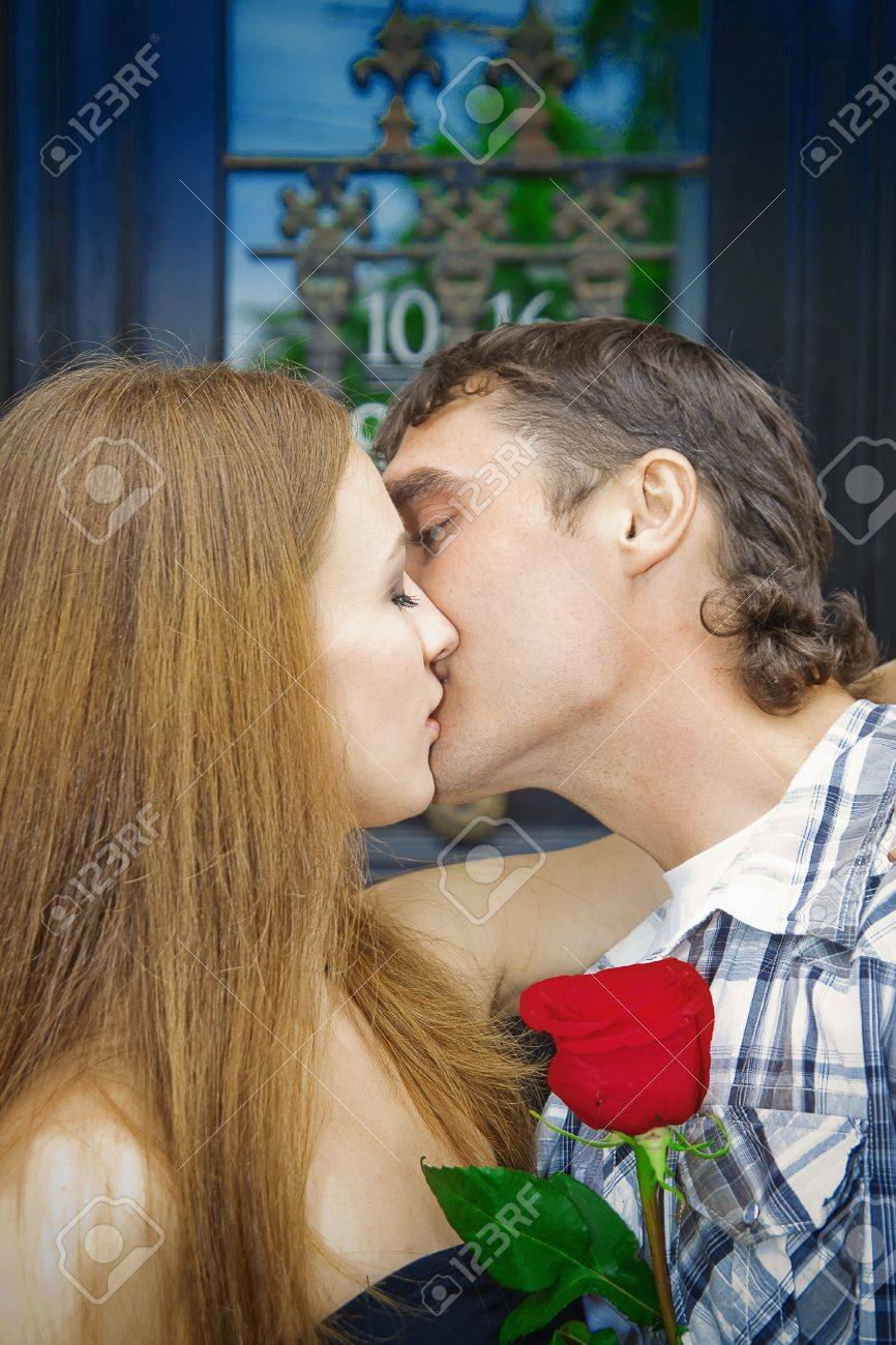 boy and girl making out videos
