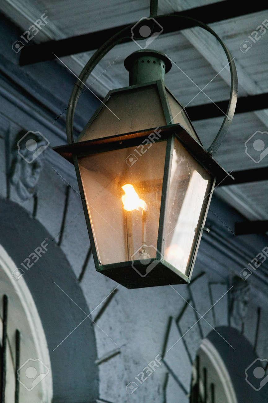 Antiguos Faroles De Hierro Forjado De Gas En El Barrio Francés De ...