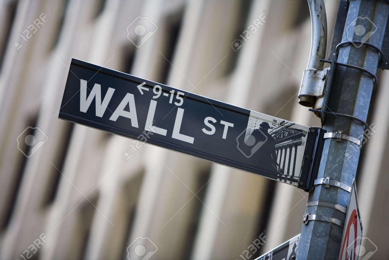 Wall street sign Stock Photo - 672018
