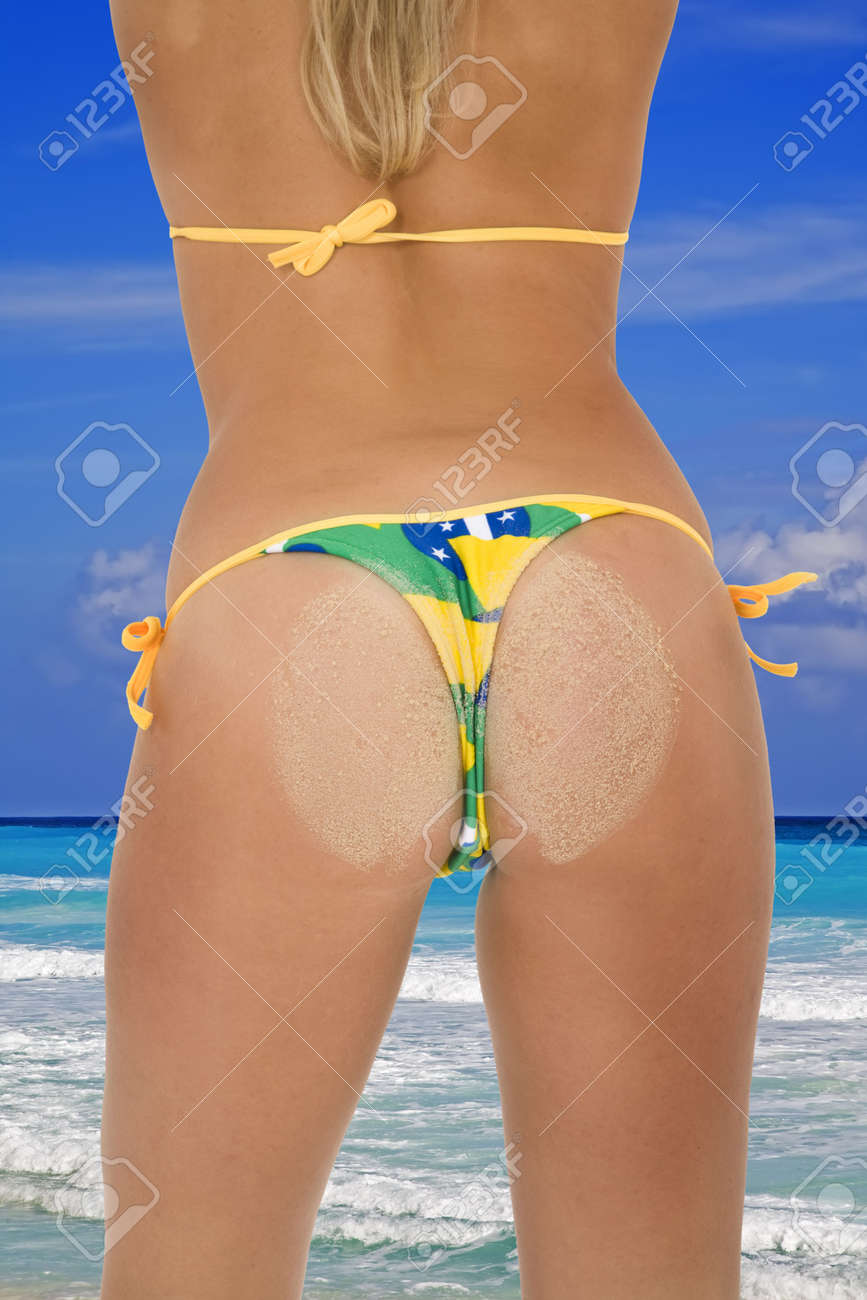 femme en string a la plage sexy fille jeune
